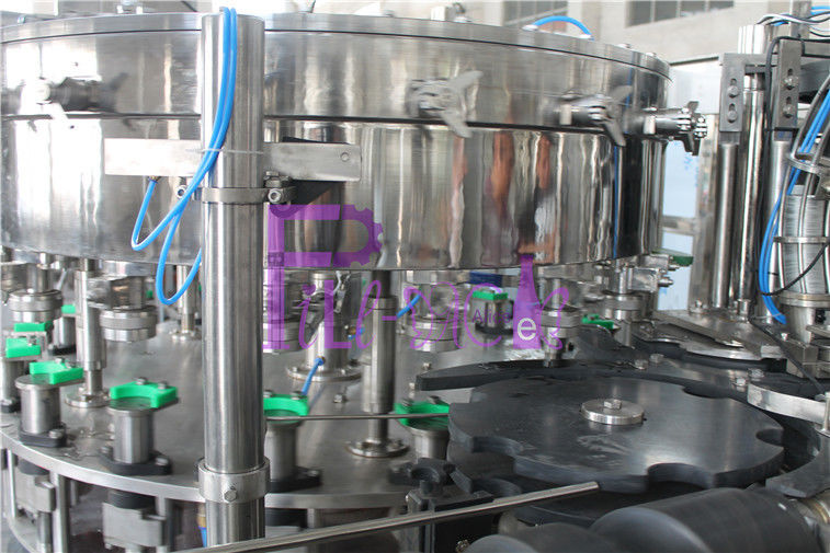PET / Tin Can Carbonated Drink Filling Machine , Full Automatic Filling Capping Machine
